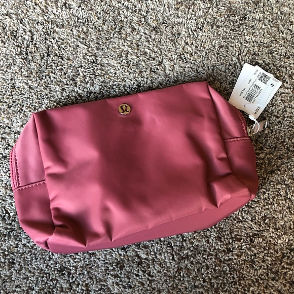 Lululemon All Your Small Things Pouch 4L